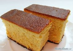 Learn how to make easy Sponge Cake Using Meringue with this delicious and easy recipe. This sponge cake provides a twist on the standard sponge cake by incorporating. Sponge Cake Easy, Lemon Sponge Cake, Sponge Cake Recipes, Food Cakes, Best Christmas Cake Recipe, Japanese Christmas Cake, Sans Gluten Sans Lactose, Snacks Sains, Colombian Food