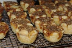 Mennonite Girls Can Cook: Butter Tarts. a pinner states a tablespoon or 2 of half and half will stop tarts from boiling over the edge. Mini Desserts, Just Desserts, Delicious Desserts, Yummy Food, Delicious Cookies, Yummy Yummy, Amish Recipes, Tart Recipes, Baking Recipes