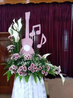 Flower Arrangements, Table Decorations, Flowers, Furniture, Home Decor, Floral Arrangements, Decoration Home, Room Decor, Home Furnishings