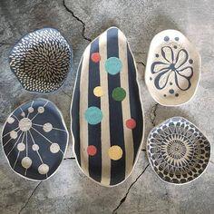 Enhance Your Bathroom Using Ceramic Tiles Ceramic Tableware, Ceramic Clay, Ceramic Painting, Ceramic Bowls, Pottery Painting Designs, Pottery Designs, Paint Designs, Hand Built Pottery, Slab Pottery