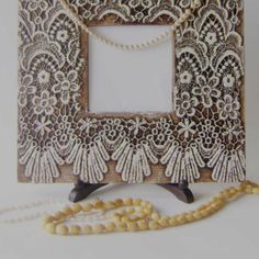 DIY Lace & Pearl Vintage picture frame.