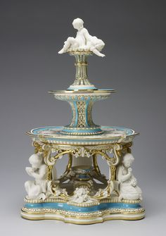 Minton : Staffordshire (c. - Dessert stand (jelly or cream) (from the Victoria pattern dessert service) Fine Porcelain, Porcelain Ceramics, Porcelain Jewelry, Decoration, Art Decor, Antique China Cabinets, Reine Victoria, Vases, The Royal Collection
