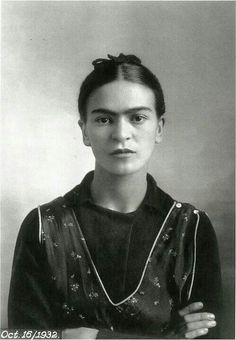 Painter Frida Kahlo was a Mexican artist who was married to Diego Rivera and is still admired as a feminist icon. Diego Rivera, Natalie Clifford Barney, Art Espagnole, Frida Kahlo Portraits, Frida And Diego, Frida Art, Mexican Artists, Louise Bourgeois, Black And White Portraits