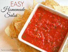 Easy Homemade Salsa Recipe. Super delicious and super easy! Make some today!