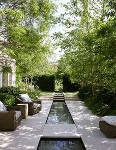 34 creative garden ideas and landscaping tips 13 Water features in the garden, Garden architecture, Modern Landscape Design, Modern Landscaping, Backyard Landscaping, Landscaping Ideas, Modern Pond, Modern Gardens, Modern Courtyard, Contemporary Garden Design, Garden Modern