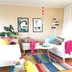 SeeMe og Peace henger så fint hjemme hos @husnummertjugo! Vi digger de flotte fargene!