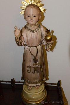 precioso Niño Jesus en talla de madera policromada S.XIX Cap y Pota.