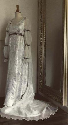 Drei Haselnüsse für Aschenbrödel Brautkleid von BediaPeukert