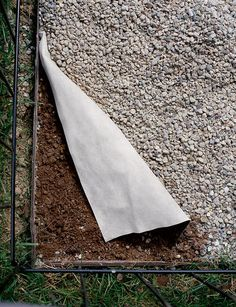roc kloth brown 4 x 50 outdoor pinterest weed crushed stone and landscape fabric. Black Bedroom Furniture Sets. Home Design Ideas