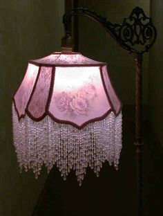 Lámp w/lilac shade w/beaded fringe, lit