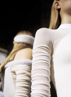 Balenciaga S/S 2015 backstage. Photographed by Alfredo Piola. Catwalk Collection, Designer Collection, Balenciaga, High Fashion, Fashion Beauty, Models Backstage, 2015 Trends, Models Off Duty, Fashion Details
