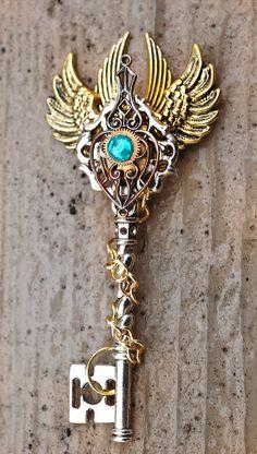 Omens of Destiny Key Necklace