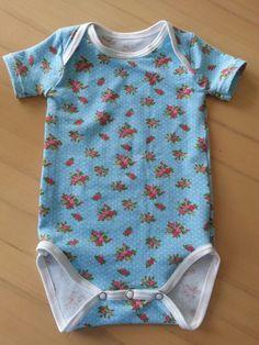 Baby romper met mouwtjes