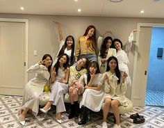 Kim Sejeong, Girls Together, Jeon Somi, Fan Picture, Ioi, Korean Singer, Girl Group, Bridesmaid Dresses, Actresses