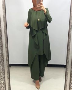 Biggest Trends In Women S Fashion Info: 2619726468 Dubai Fashion, Muslim Fashion, Modest Fashion, Hijab Fashion, Jumpsuit Hijab, Hijab Dress, Hijab Outfit, Modest Outfits Muslim, Modest Wear
