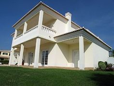 Spaceous Fully Equipped Villa With Spectacular Views To The Boavista Golfcourse And Monchique. Rua Antonio Aleixo lote 7 in Lagos. Spaceous villa with a nic.