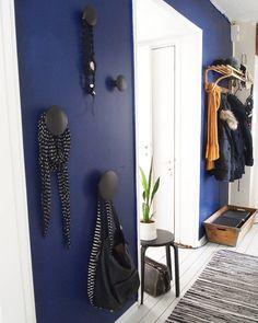 On instagram by miimiinkoti #homedesign #contratahotel (o) http://ift.tt/24s671k keittiöstä päin. #eteinen #hallway #tikkurila_suomi #krautasuomi #blue #colorfulinterior #fargerikehjem #vintage #dots #retrohome #retroregram #myhome #oldhouse #interior #inspiroivakoti #etuovisisustus #oikotiesisustus #instahome #home #homestyling #home_in_colors