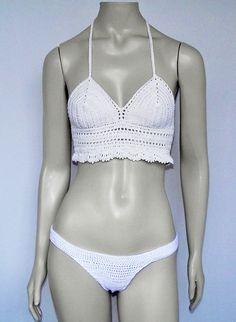 Biquíni Anita é confeccionado com fio de algodão, uma peça muito versátil e com modelagem especial para valorizar o corpo da mulher brasileira. A calcinha é bem segura, pois contém elástico nas extremidades, confeccionada com fio especial de algodão e elastano que se molda ao corpo. <br> <br>TAMANHOS: <br>PP(36), P(38/40), M(42/44) e G(46). <br> <br>CUIDADOS COM A PEÇA: <br>Lavar na mão <br>Não lavar na máquina <br>Não utilizar alvejantes <br>Secar a Sombra