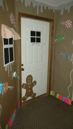gingerbread door decorating I really loved living here with this one- tarshamarielynn