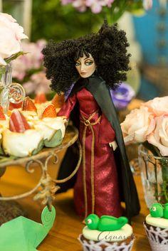 Madrasta para mesa de doces tema Rapunzel