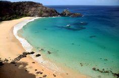 Considerada a mais linda do mundo, segundo o site Tipadvisor, a praia do Sancho é uma das  atrações naturais mais visitadas de Fernando de Noronha (foto: Eduardo Vessoni)