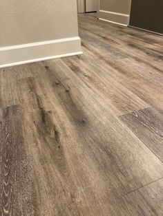 Maintain your home up-to-date beginning from your surface. Take advantage of this help guide to the most well liked 2019 vinyl flooring trends and discover stylish, resilient vinyl flooring… Vinyl Wood Flooring, Luxury Vinyl Flooring, Wood Vinyl, Luxury Vinyl Plank, Kitchen Flooring, Hardwood Floors, Vinyl Flooring For Bathrooms, Laminate Plank Flooring, Vinyl Planks