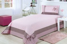 Light Pink Bedroom Ideas For a long time the field of the rooms of the little girls, the rose is a color more versatile than many would think.