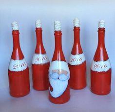 Botella de Santa Pintada a mano por RosBelTreasures en Etsy