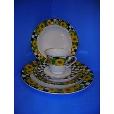 sunflower dishes!! not a fan of the checkerboard pattern though :/