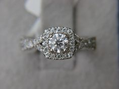 Vera Wang 1.00ct Diamond Engagement Ring $2,799.00 USD