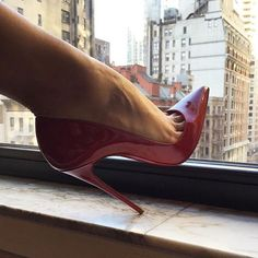 50 отметок «Нравится», 1 комментариев — @abracadabraistanbul в Instagram: «#highheels #heels #shoes #sexyshoes #sexyheels #stappysandal #toes #feet #fetish #pantyhose…»