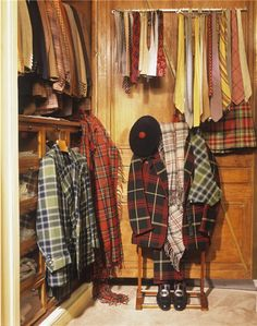 wilfredlewis:A rare photograph of some of the Duke of Windsor's clobber.Picture originally posted by Hold Your Horses. British Country Style, Dressing Room Closet, Dressing Rooms, Tartan Fashion, Men's Fashion, Victoria Prince, Edward Viii, Ivy League Style, Ivy Style