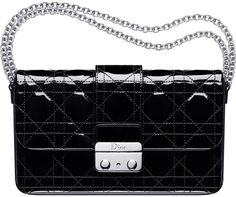 Dior-new-lock-pouch-black-1.jpg (631×528)