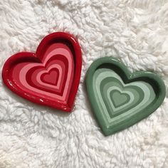 Jewelry Tray, Clay Jewelry, Heart Jewelry, Pottery Plates, Pottery Art, Pottery Ideas, Clay Plates, Pottery Painting Designs, Clay Art Projects