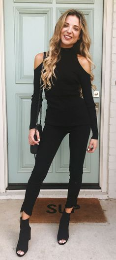 35cbf3c70162a  fall  outfits Black Cold Shoulder Top + Black Skinny Jeans + Black Open Toe