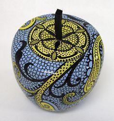 Paisley #paisley #fauxpainting #paintedfinish #penwork #zentangle #apple