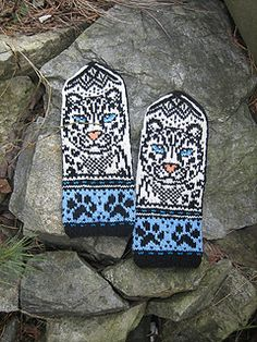 Snow Leopard mittens