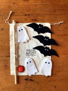 Toddler Educational Toys, Magnet Bats & Ghosts Fishing Game, Fishing Kids Game, Handmade Toy, Monte – My Store Fete Halloween, Toddler Halloween, Halloween Ideas, Halloween Bats, Handmade Felt, Handmade Crafts, Felt Fish, Educational Toys For Toddlers, Sewing Stuffed Animals