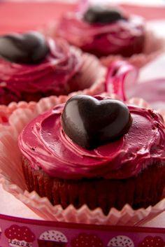 Irresistible Gluten Free Red Velvet Cupcakes #glutenfree #Valentinesday