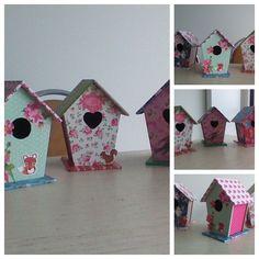 DIY vogelhuisjes Aangekocht in action en met wat papier bewerkt. Erg tevreden van het resultaat.