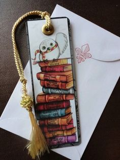 books papers and things Harry Potter Bookmark by SamSkyler on Etsy Carte Harry Potter, Deco Harry Potter, Harry Potter Bookmark, Theme Harry Potter, Harry Potter World, Etsy Harry Potter, Harry Potter Scrapbook, Creative Bookmarks, Diy Bookmarks