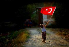 """Genç Yolcu 🌞 Günün Fotoğrafı  📷 Ömer Şahin / İstanbul 🚩 İzmir / Ödemiş 🌐 gencyolcu.com  Sizler de """"GÜNÜN FOTOĞRAFI"""" bölümünde fotoğraflarınızın yayınlanmasını istiyorsanız Genç Yolcu Sayfamıza 5 fotoğraf ile birlikte Ad, Soyad, Şehir ve çektiğiniz fotoğraf hakkında kısa bilgi ekleyerek bize gönderebilirsiniz.  #Turkey #Turkish #Türkiye #İzmir #Ödemiş #Flag #Bayrak  #PhotoOfTheDay #23Nisan Montessori, Coach Parental, Istanbul, Christmas Ornaments, History, Stars, My Love, Wallpaper, Holiday Decor"""