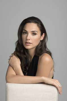 Gal Gadot born 30 April 1985 is an Israeli actress and model. Gadot is primarily known for her role as Wonder Woman in the DC Extended Universe, starting with Batman v Superman: Dawn of Justice. Pretty People, Beautiful People, Beautiful Women Tumblr, Gal Gardot, Hollywood Girls, Hollywood Actresses, Gal Gadot Wonder Woman, Trend Fashion, Woman Crush