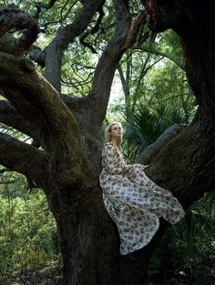 Elle Fanning by Annie Leibovitz for Vogue US June 2017 gucci