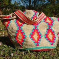 New new new stocks Totebags #wayuustyle wayuubags #unique #beautifullpieces #colorfull #style #stunning #colombia #miamiartist #miamidistric #spain  #france #dubai #tailandia #chilabag #china #handmade