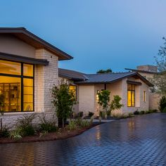 Photo Gallery of New Luxury Custom Homes Sold & For Sale by Heyl Homes in Austin Texas House With Land, Hill Country Homes, Modern Ranch, Spanish House, Home Landscaping, Exterior House Colors, Ranch Style, House Goals, The Ranch
