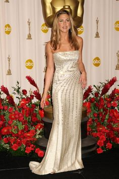"Jennifer Aniston 2009 Academy Awards- 15 years after ""the rachel"" she started a new hairstyle everyone loved and copied!"
