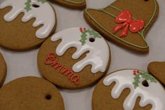 Official royal Christmas gingerbread recipe from Buckingham Palace Ginger Bread Biscuits, Ginger Bread Cookies Recipe, Sugar Cookies, Cookie Recipes, Cookie Ideas, Cookbook Recipes, Frosted Christmas Tree, Royal Christmas, Christmas Gingerbread