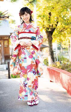 女優や声優として活躍する福原遥さんが、9日発売の雑誌「UTB+(アップトゥボーイ プラス)Vol.46」(ワニブックス)に登場。20009~13年に放送された... Yukata, Traditional Dresses, Asian Woman, Cute Girls, Harajuku, Kimono Top, Japan, Actresses, Actors