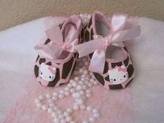 Baby crib shoesHello Kitty Giraffe by Sassykatboutique on Etsy, $13.50